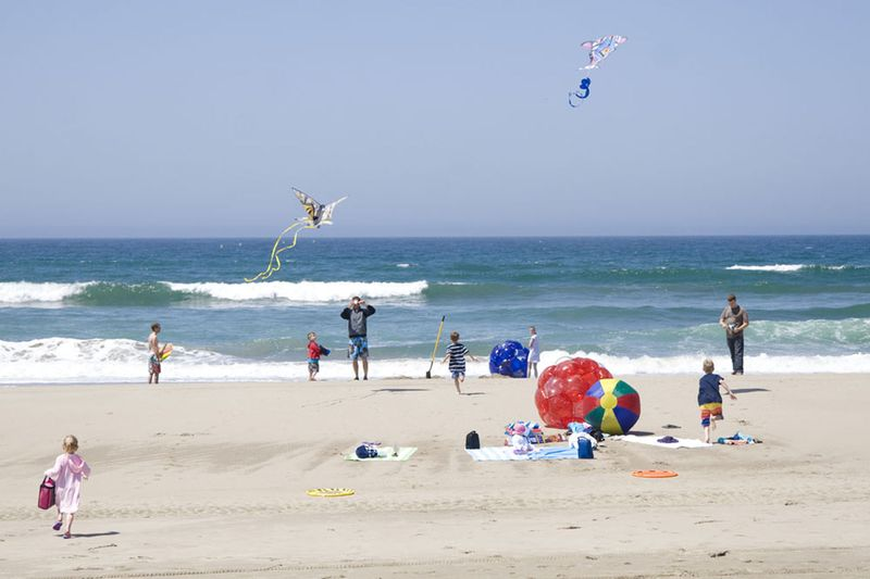 Beachplay1