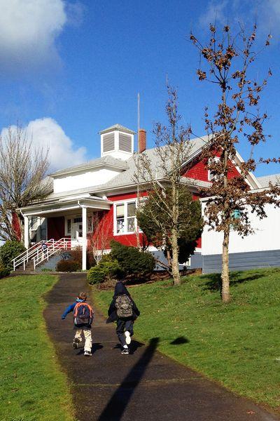 Redschoolhouse1