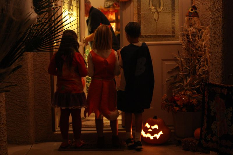 Halloween_tricktreat