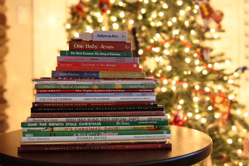 Christmas Book.Find Joy In The Journey 25 Christmas Books
