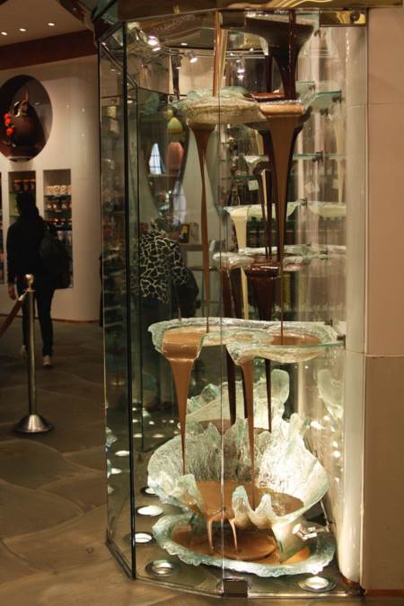 Jean Philippe Patisserie and chocolate fountain in the Bellagio  |  Find Joy in the Journey