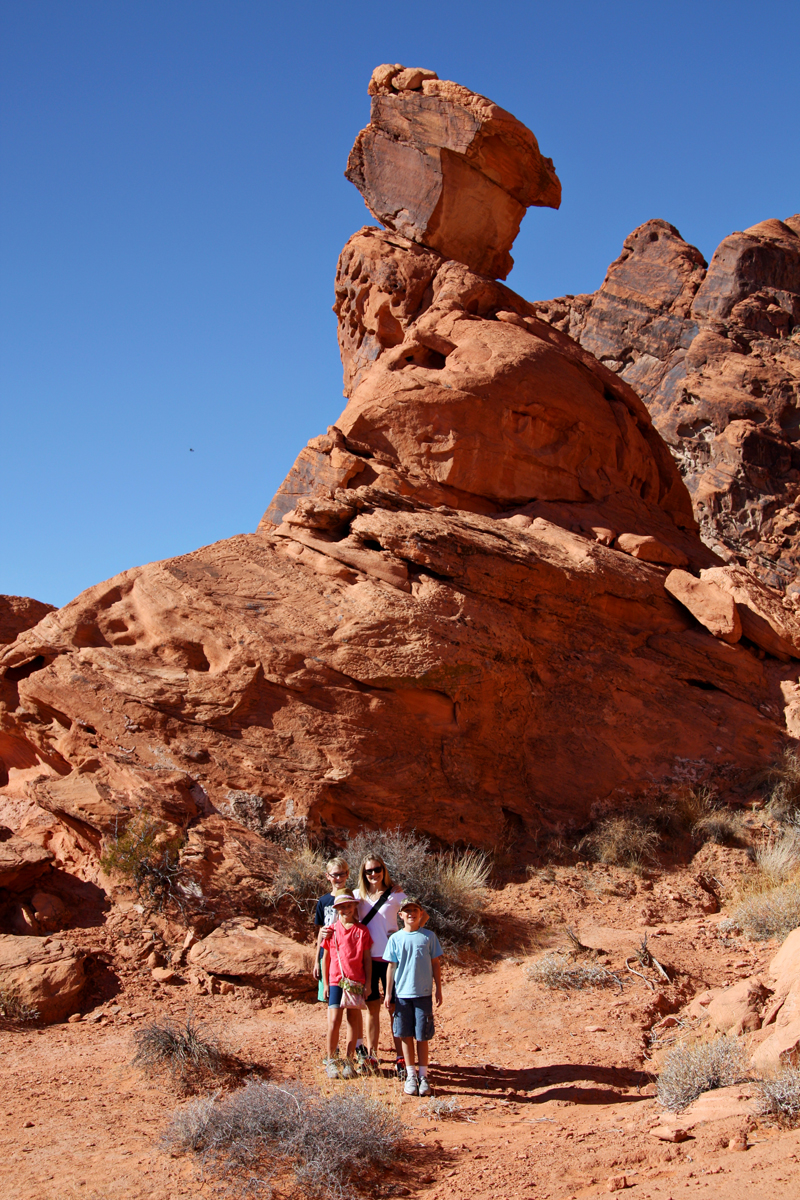 Valley of Fire Balancing Rock3