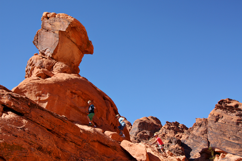 Valley of Fire Balancing Rock1